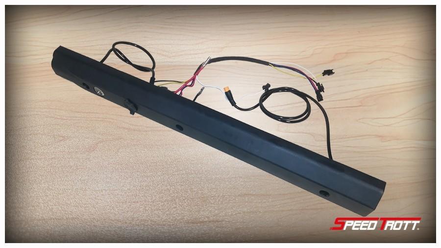 Baguette latérale droite complète  ST12  ST14 Trottinette électrique